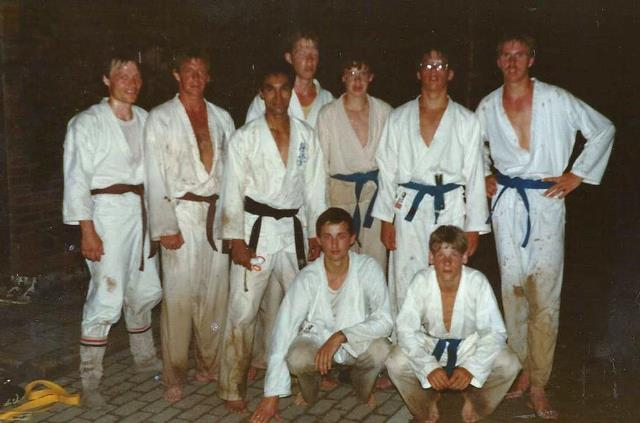 mensen bij karate